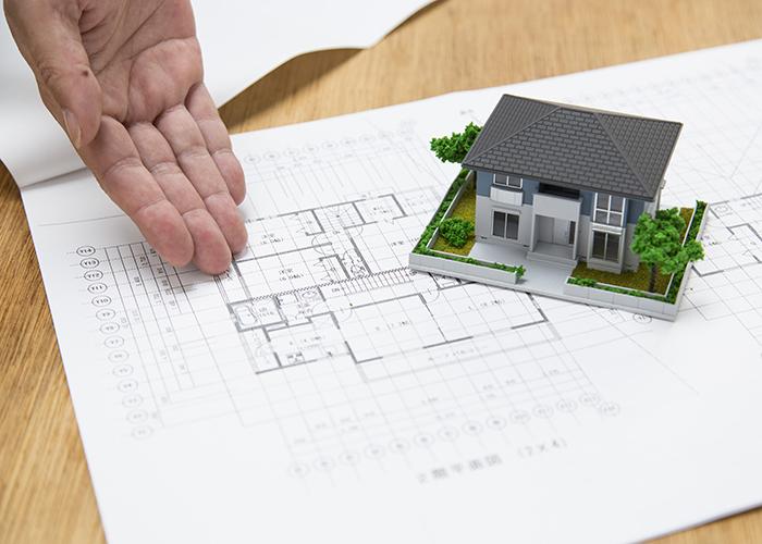 図面と住宅模型